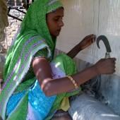 Jaipur Rugs – women knotting a rug, Achrol, Amber, Rajasthan
